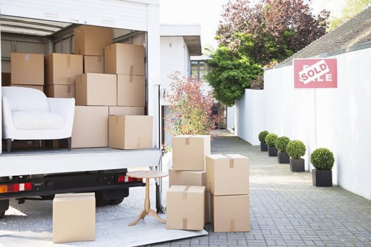 Top tips for moving home in winter. Read more https://bit.ly/2Psbe22