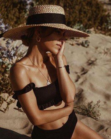 model girl summer aesthetic