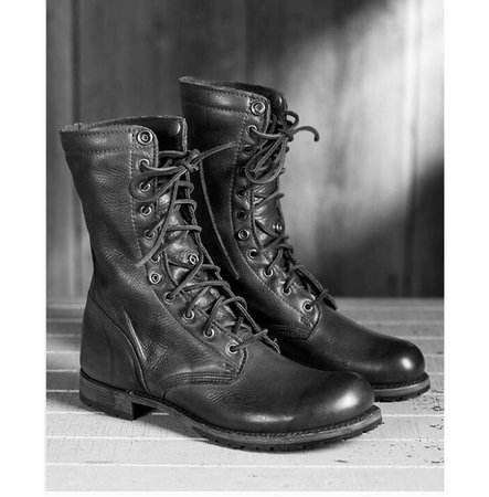 men_black_combat_boots