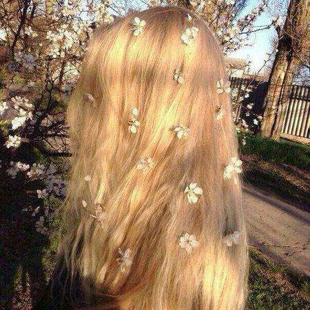 blonde beauty aesthetic