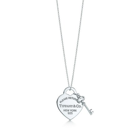 Return to Tiffany™ medium heart tag with key pendant in sterling silver. | Tiffany & Co.