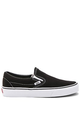Vans Classic Slip On in Black | REVOLVE