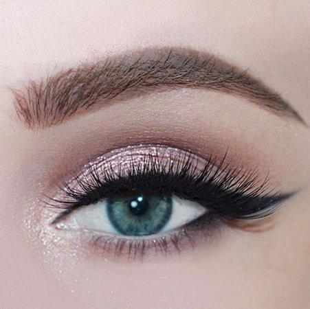 Glitter Pink Eye