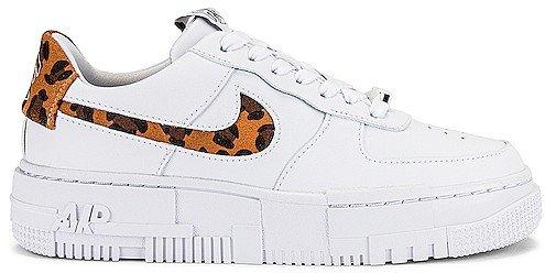 Force 1 Pixel SE Sneaker