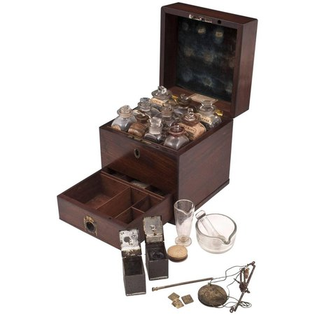 Antique Apothecary Medicine Box G. Marhsall and Co, 19th Century For Sale at 1stdibs