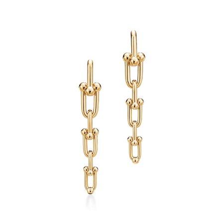 Tiffany & Co, Tiffany HardWear graduated link earrings in 18k gold. |