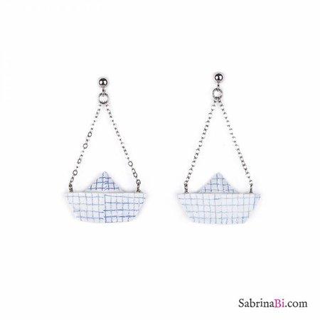 Paper boat earrings 1