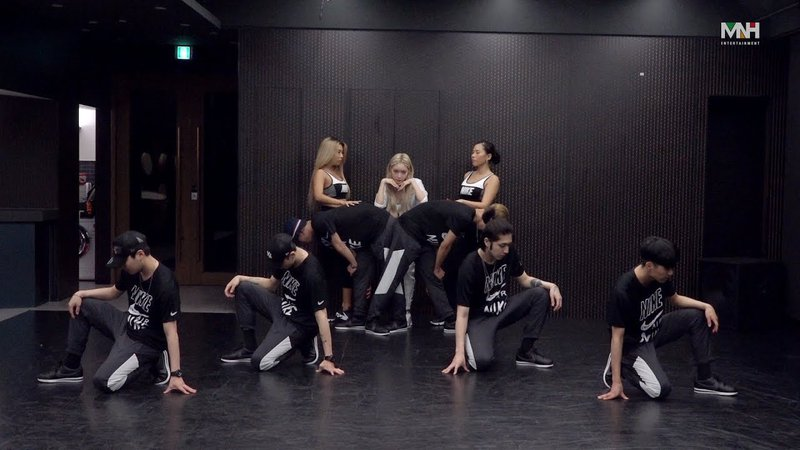 'Snapping' DANCE PRACTICE