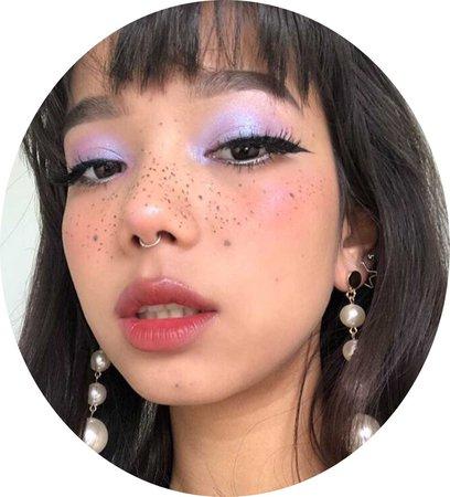 purple iridescent eye makeup