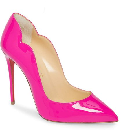 Hot Chick Scallop Pointed Toe Pump