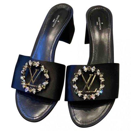 Black Cloth Sandals