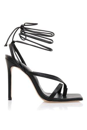 Shoes : 'Romance' Black Leather Toe Strap Sandals