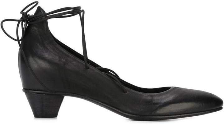 Del Carlo tied low heel pumps