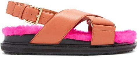 Bi-colour Shearling-fussbett Slingback Sandals - Tan