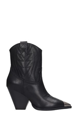 Lola Cruz Ankle Boots In Black Leather
