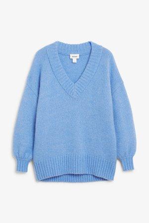 Soft V-neck sweater - So you blue - Knitwear - Monki FR