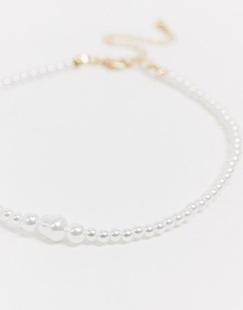 ASOS DESIGN choker necklace in graduating pearls | ASOS