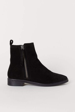 Warm-lined Suede Boots - Black