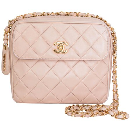 Chanel 1990s Vintage Pink Crossbody Quilted Lambskin Bag With Gold Hardware