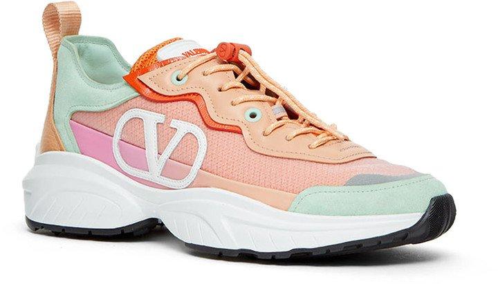 Shegoes VLOGO Sneaker