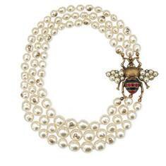 aged gold finish Glass pearl necklace with bee | GUCCI® US
