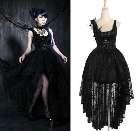 Gothic Bridesmaids Dresses To Complete Your Dark Wedding