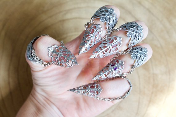Clawed Armor Rings (For Left Hand)