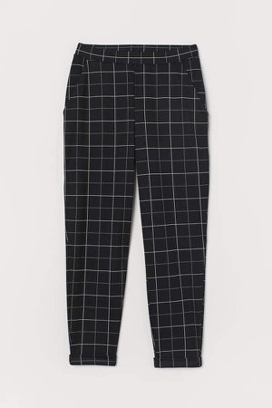 Ankle-length Pull-on Pants - Black