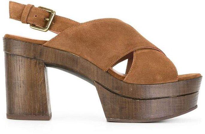 Cigar sandals