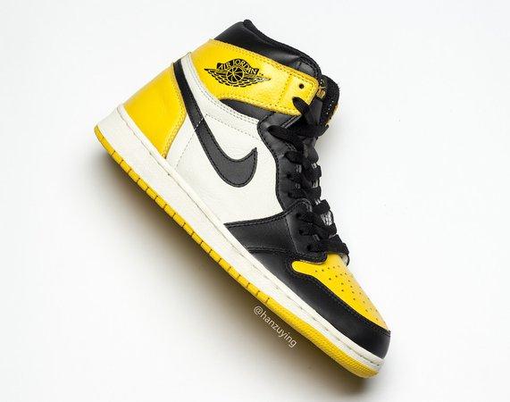 air-jordan-1-yellow-toe-black-white-ar1020-700-release-date-6.jpg (900×709)