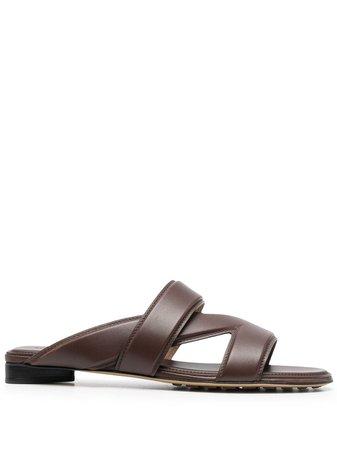 Bottega Veneta The Band flat sandals brown 651374VBSL0 - Farfetch