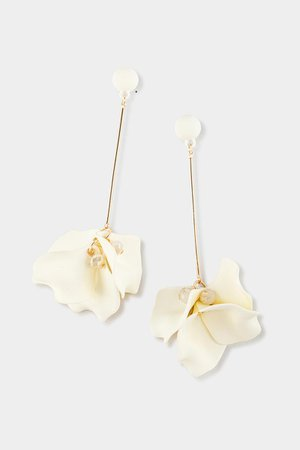 Eva Petal Drop Earrings | francesca's