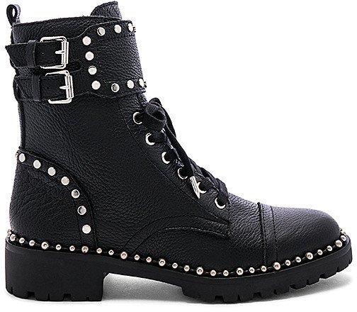 Jennifer Boot