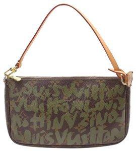 Louis Vuitton Pochette Graffiti Accessories Green Leather Shoulder Bag - Tradesy