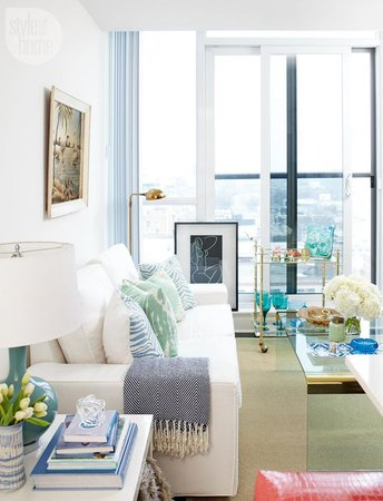 beautiful-tropical-living-room-apartment-decor-ideas-palm-bar-cart-gold.jpg (564×737)
