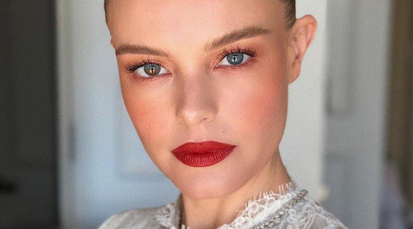Makeup Look Red Lip