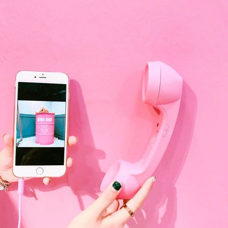 IPHONE PORTABLE PINK RETRO HUGE PLASTIC PHONE