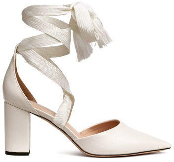Court shoes with ties - White