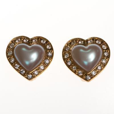 Vintage Avon Pearl and Diamante Crystal Heart Earrings - Vintage Meet Modern