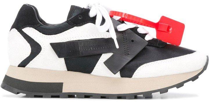 Arrows-patch low-top sneakers