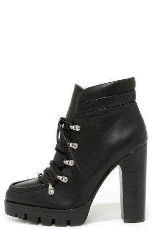 Black laces boots