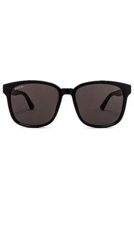 Gucci Logo Wayfarer in Shiny Black & Grey | REVOLVE