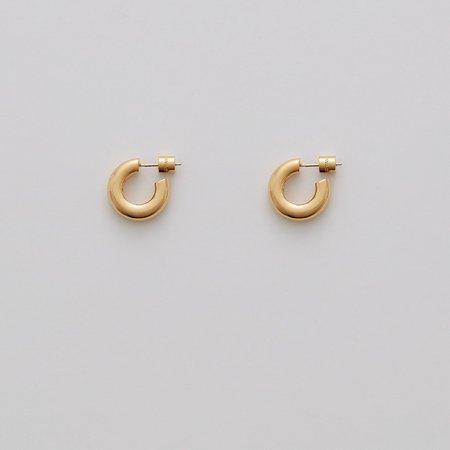 Mini Hoop Earrings | Cuyana