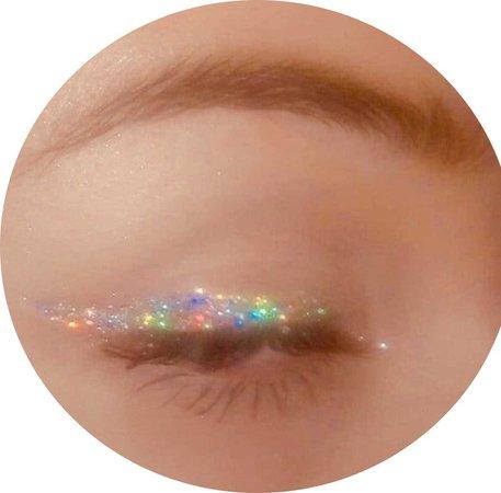 glittery eyeliner