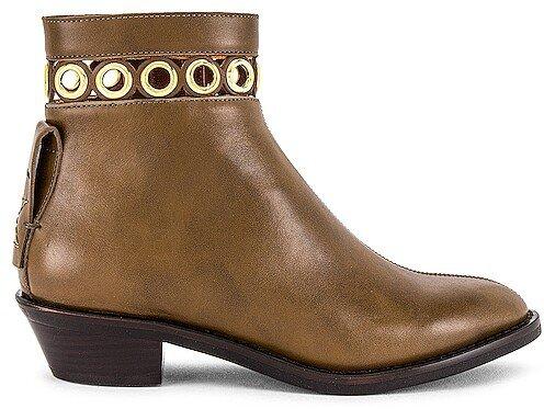 Steffi Boot