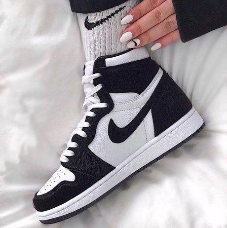 jordan 1 retro high twist Shoes Sneakers Black White Nike