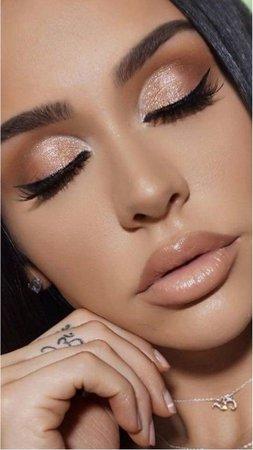 nude makeup photo
