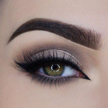 Silver/Nude Eye Makeup
