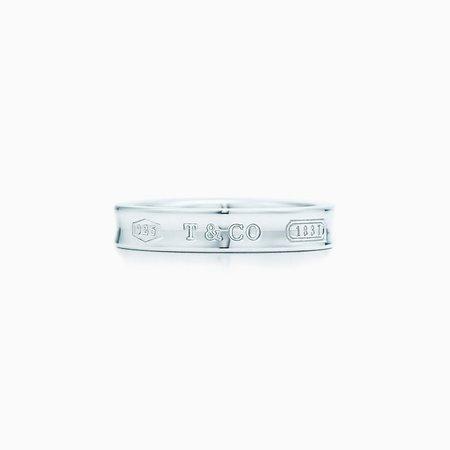 Tiffany 1837® interlocking circles ring in sterling silver. | Tiffany & Co.