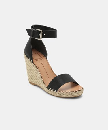 NOOR WEDGES IN BLACK – Dolce Vita